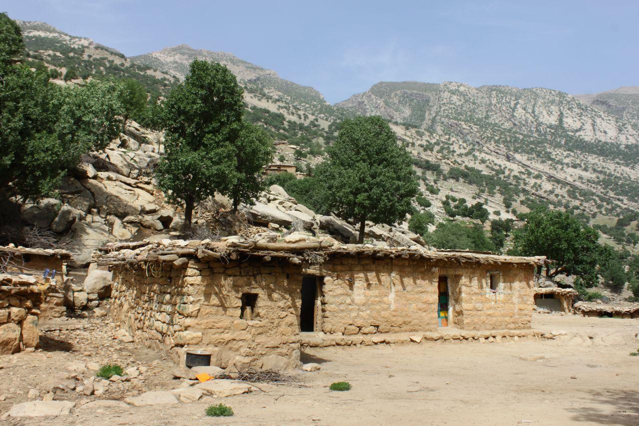 روستای سرتنگ